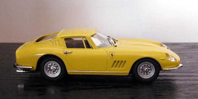 Ferrari 275 GTB/4 Box_mo12
