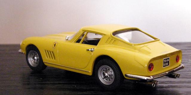 Ferrari 275 GTB/4 Box_mo13