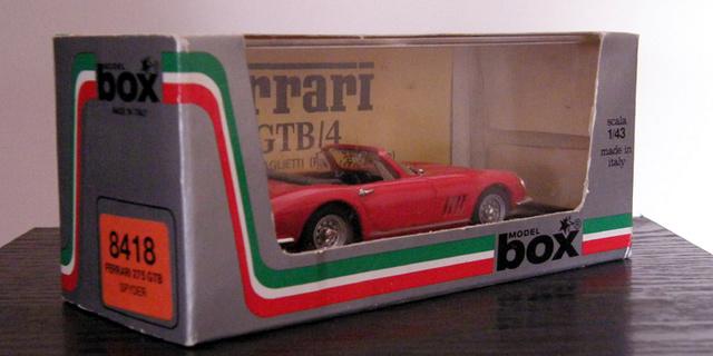 Ferrari 275 GTB/4 Spider Box_mo30