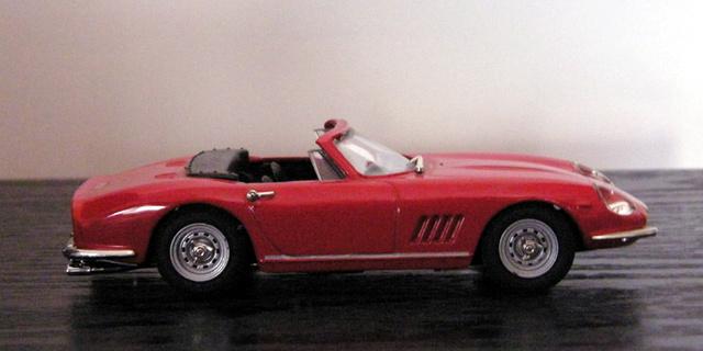 Ferrari 275 GTB/4 Spider Box_mo31
