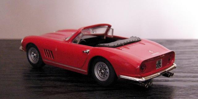 Ferrari 275 GTB/4 Spider Box_mo35