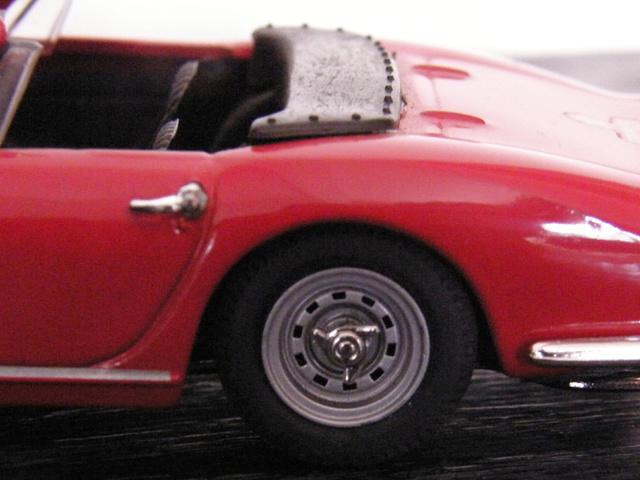 Ferrari 275 GTB/4 Spider Box_mo38