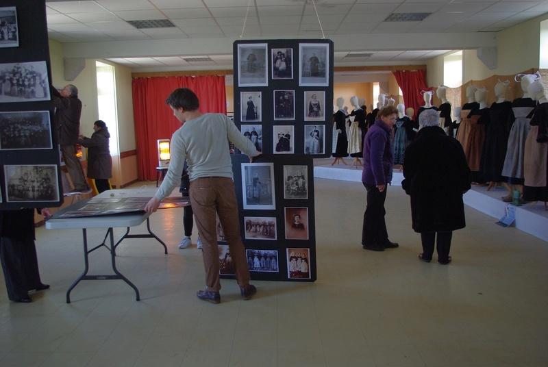 Exposition de costumes et photos sur Pays de Brasparts / St Rivoal Imgp6315