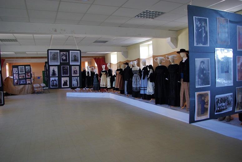 Fin de l'exposition des costumes et photos sur le pays de Brasparts/Saint Rivoal Photos10