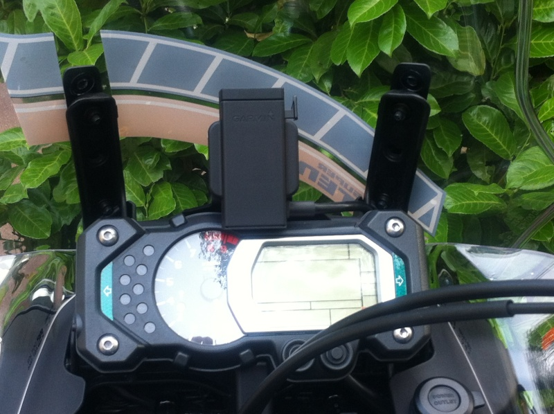 Support GPS Garmin d'origine Yamaha - Page 2 Img_0910