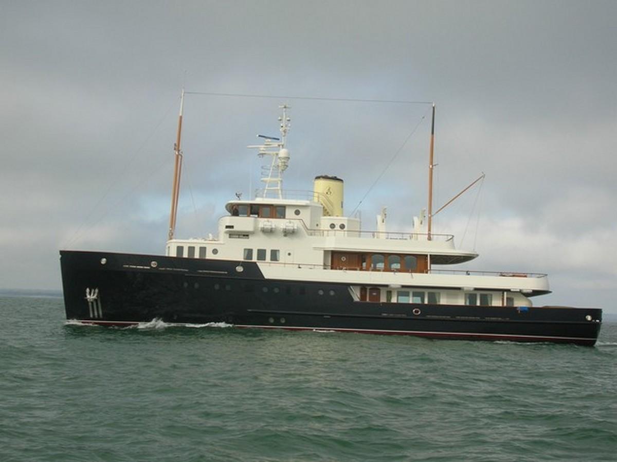 [VIE DES PORTS] Quelques bateaux de pêche (sur nos côtes Françaises) Momo30