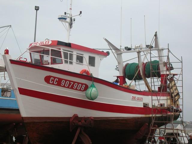 [VIE DES PORTS] Quelques bateaux de pêche (sur nos côtes Françaises) - Page 2 Momo_110