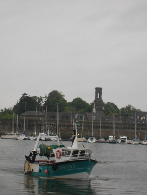 [VIE DES PORTS] Quelques bateaux de pêche (sur nos côtes Françaises) - Page 2 Momo_112