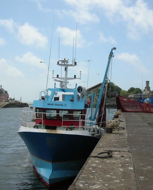 [VIE DES PORTS] Quelques bateaux de pêche (sur nos côtes Françaises) - Page 2 Momo_114