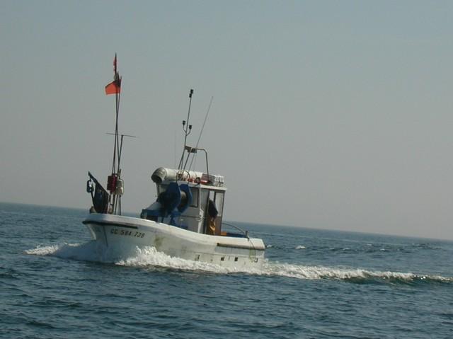 [VIE DES PORTS] Quelques bateaux de pêche (sur nos côtes Françaises) - Page 2 Momo_212