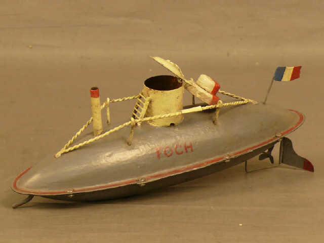 sous-marins jouets et sous-marin musée 713_7610