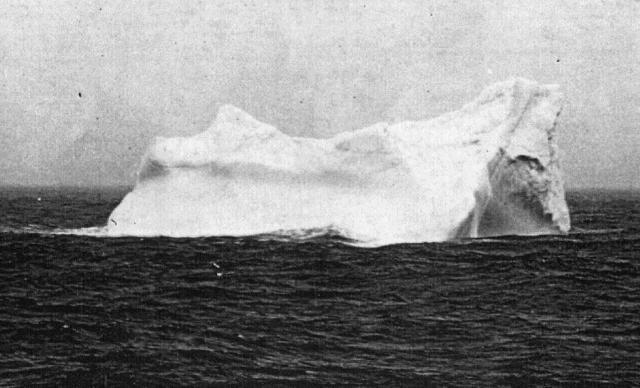 Mardi 31 mai 2011 - 1911 : Centenaire du lancement du paquebot Titanic à Belfast Iceber10