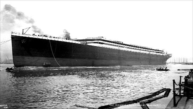 Mardi 31 mai 2011 - 1911 : Centenaire du lancement du paquebot Titanic à Belfast Titani10