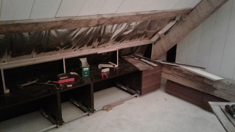 Tiroirs IKEA cachés dans une soupente Vauvyr51