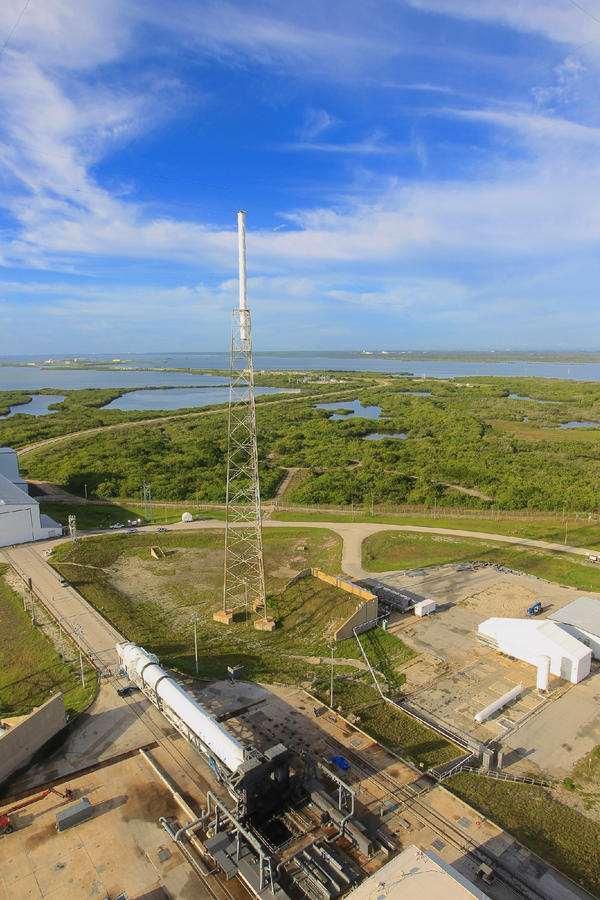 Space X: Lancement de Falcon-9 - CRS-1/SPX-1 07.10.2012 - Page 2 A4m6fp10