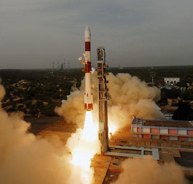[Inde] PSLV / Cartosat-2B et autres (12/07/2010) - Page 3 Launch11