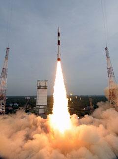 [Inde] PSLV / Cartosat-2B et autres (12/07/2010) - Page 3 Launch12