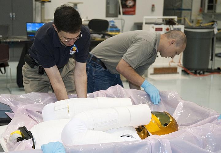 [STS-133] Discovery : Préparatifs (Lancement prévu le 24/02/2011) - Page 8 R22_bm10