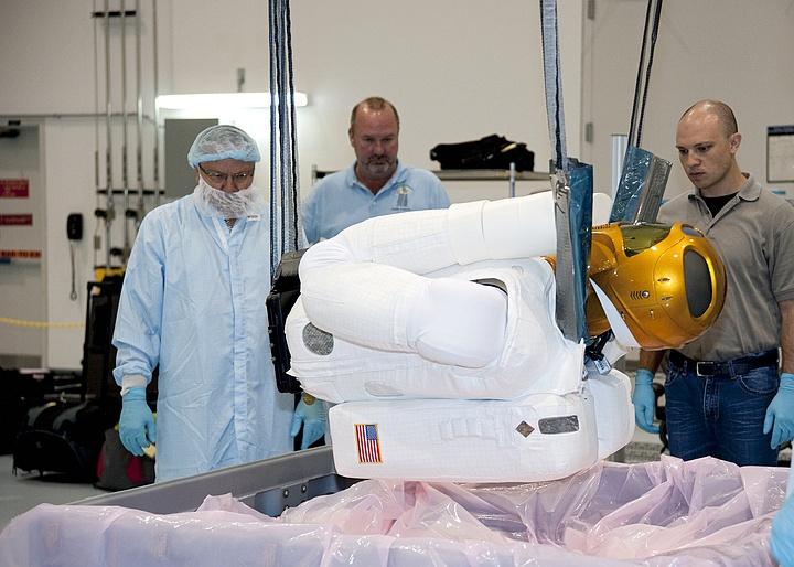 [STS-133] Discovery : Préparatifs (Lancement prévu le 24/02/2011) - Page 8 R23_bm10