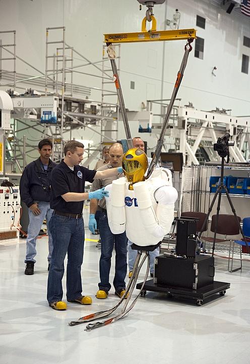 [STS-133] Discovery : Préparatifs (Lancement prévu le 24/02/2011) - Page 8 R24_bm10