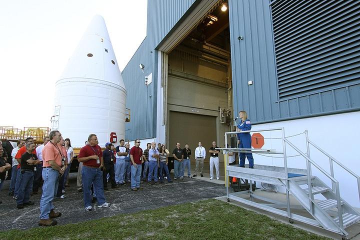 [STS-134] Endeavour : Préparatifs lancement le 29/04/2011 - Page 4 Sans_135