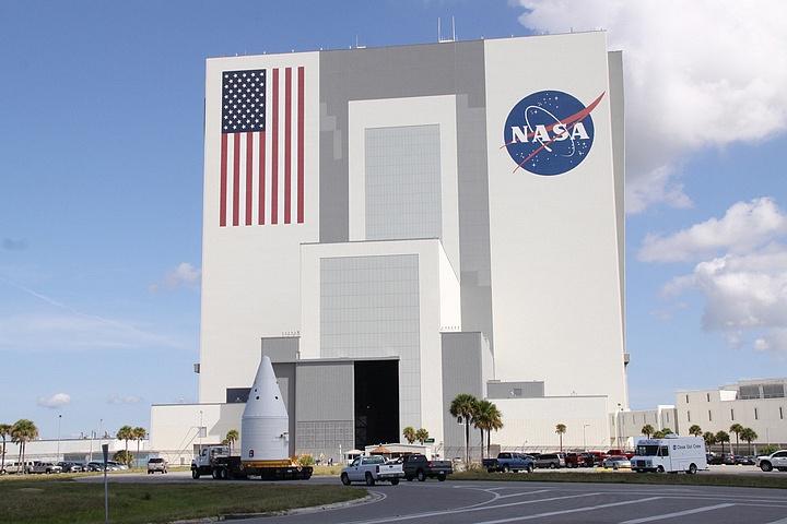 [STS-134] Endeavour : Préparatifs lancement le 29/04/2011 - Page 4 Sans_136