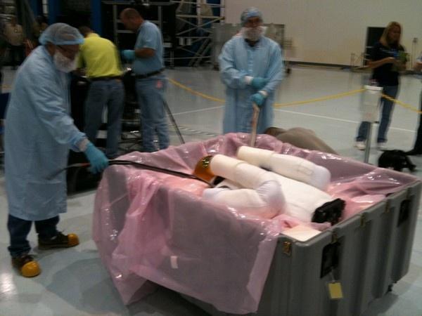 [STS-133] Discovery : Préparatifs (Lancement prévu le 24/02/2011) - Page 8 Sans_154