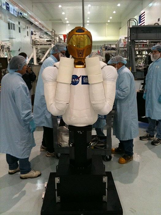 [STS-133] Discovery : Préparatifs (Lancement prévu le 24/02/2011) - Page 8 Sans_156