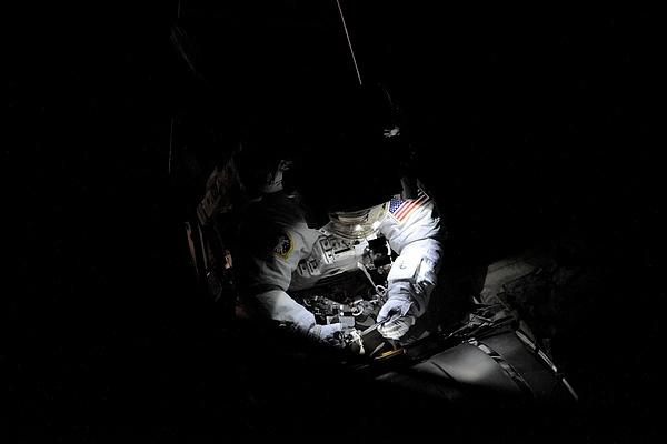 [ISS] Panne + réparation d'un des systèmes de refroidissement  - Page 13 Sans_170