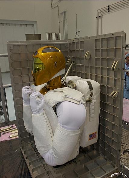 [STS-133] Discovery : Préparatifs (Lancement prévu le 24/02/2011) - Page 8 Sans_193