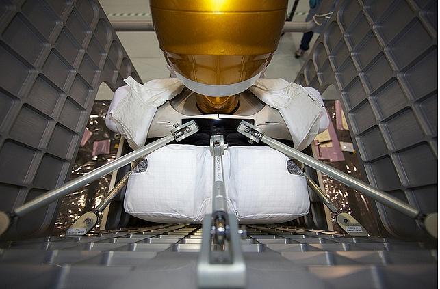 [STS-133] Discovery : Préparatifs (Lancement prévu le 24/02/2011) - Page 8 Sans_194