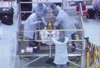 [STS-133] Discovery : Préparatifs (Lancement prévu le 24/02/2011) - Page 8 Sans_197