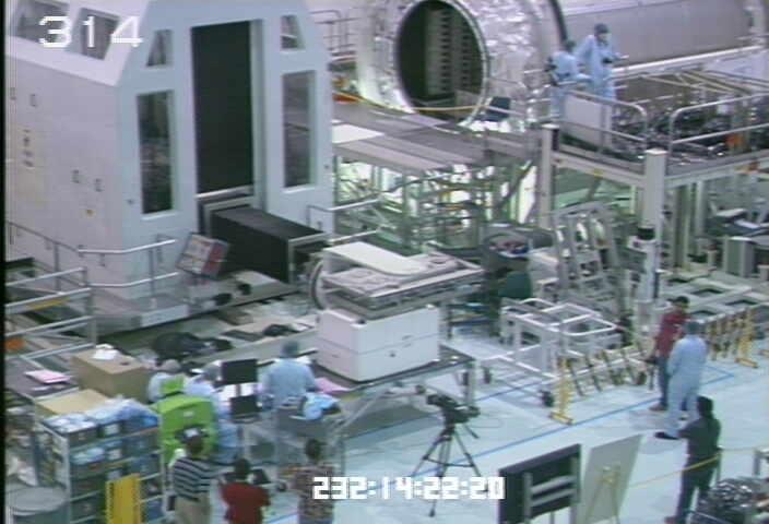 [STS-133] Discovery : Préparatifs (Lancement prévu le 24/02/2011) - Page 9 Sans_205