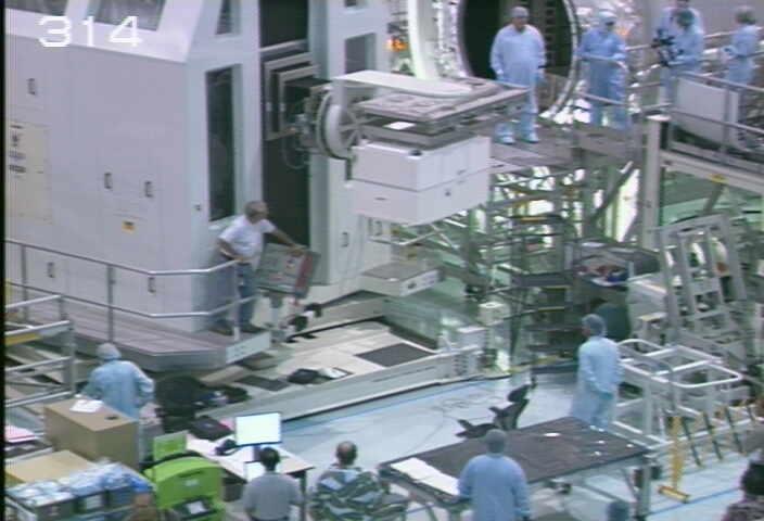 [STS-133] Discovery : Préparatifs (Lancement prévu le 24/02/2011) - Page 9 Sans_206