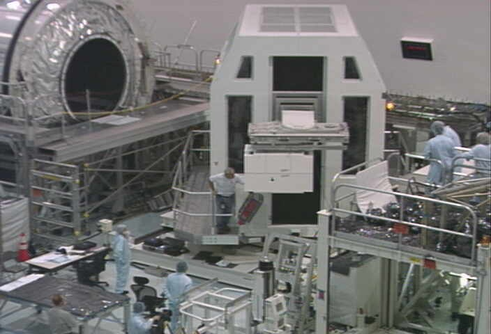 [STS-133] Discovery : Préparatifs (Lancement prévu le 24/02/2011) - Page 9 Sans_207