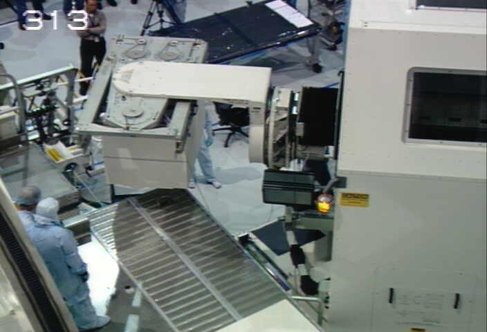 [STS-133] Discovery : Préparatifs (Lancement prévu le 24/02/2011) - Page 9 Sans_208
