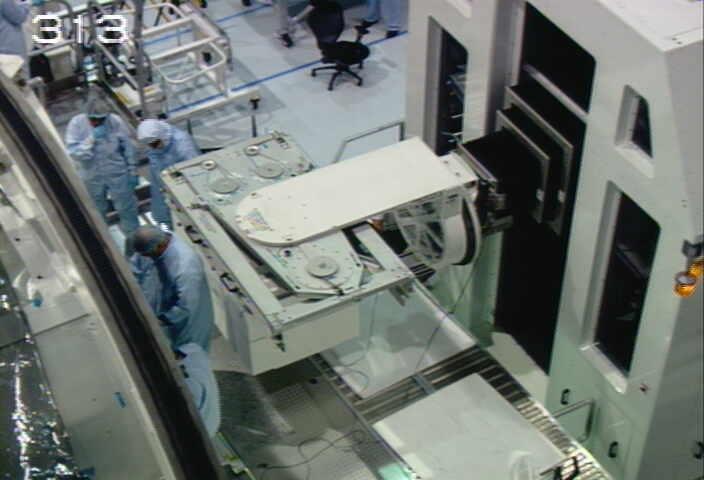 [STS-133] Discovery : Préparatifs (Lancement prévu le 24/02/2011) - Page 9 Sans_210