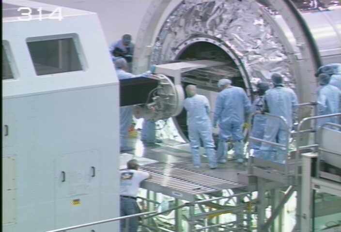 [STS-133] Discovery : Préparatifs (Lancement prévu le 24/02/2011) - Page 9 Sans_211
