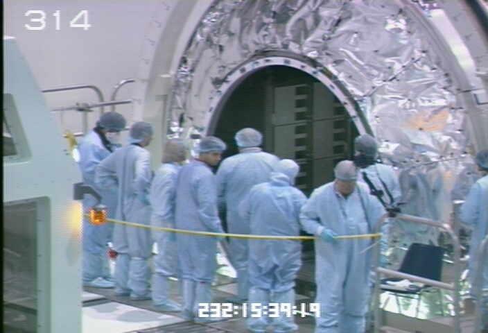 [STS-133] Discovery : Préparatifs (Lancement prévu le 24/02/2011) - Page 9 Sans_218