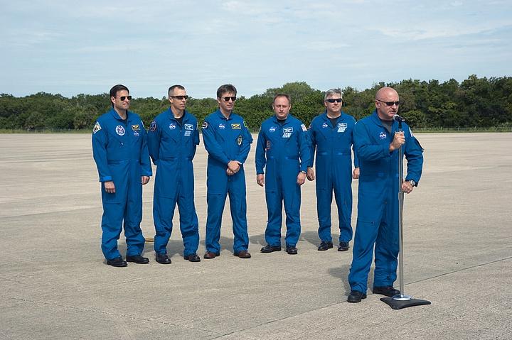 [STS-134] Endeavour : Préparatifs lancement le 29/04/2011 - Page 5 Sans_249
