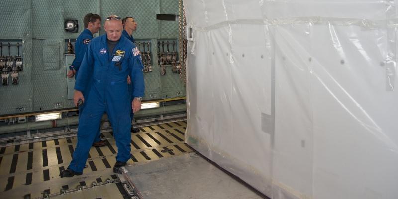 [STS-134] Endeavour : Préparatifs lancement le 29/04/2011 - Page 6 Sans_263