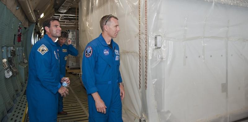 [STS-134] Endeavour : Préparatifs lancement le 29/04/2011 - Page 6 Sans_268