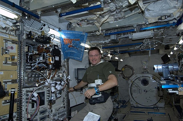 ISS : Expédition 24 - Page 6 Sans_276
