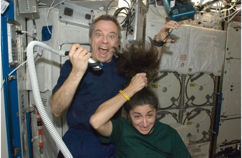[STS-133] Discovery : Préparatifs (Lancement prévu le 24/02/2011) - Page 9 Sans_280