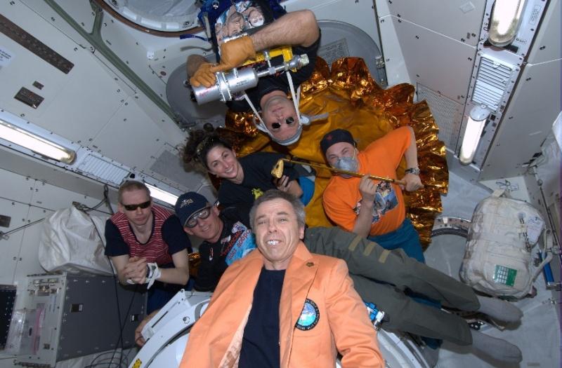 [STS-133] Discovery : Préparatifs (Lancement prévu le 24/02/2011) - Page 9 Sans_282