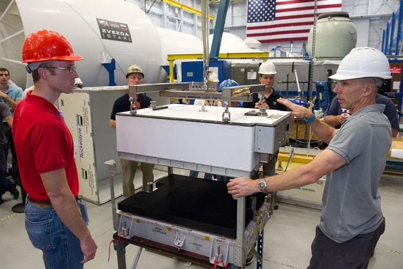 ISS: US-EVA#19 - Opération de secours sur MBSU-1 (05.09.12) Sans_422