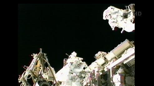 ISS: US-EVA#19 - Opération de secours sur MBSU-1 (05.09.12) - Page 2 Sans_431