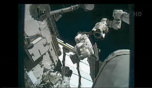 ISS: US-EVA#19 - Opération de secours sur MBSU-1 (05.09.12) - Page 2 Sans_432