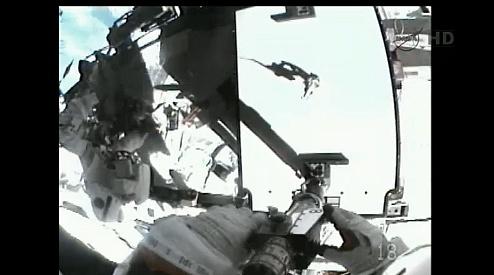 ISS: US-EVA#19 - Opération de secours sur MBSU-1 (05.09.12) - Page 2 Sans_434