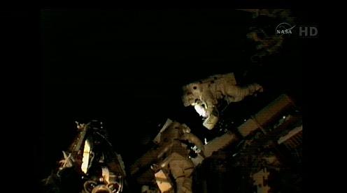 ISS: US-EVA#19 - Opération de secours sur MBSU-1 (05.09.12) - Page 2 Sans_438